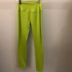 Splits 59 bright green legging, sz s, 70669